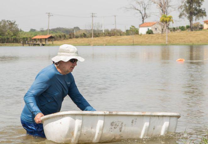 Brazil: Santos, Brazil :: Bob Nichols (USA) brings materials to the life raft. More Info