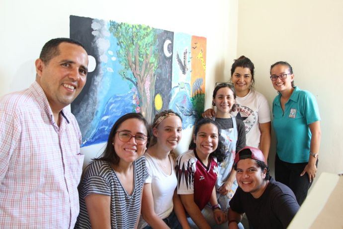 El Salvador: OM Staff and volunteers painted a Mural about Gods creation at Love Link. More Info