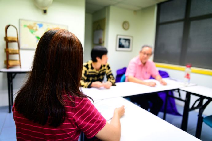 Malaysia: Office workers meeting to discuss ministry. More Info