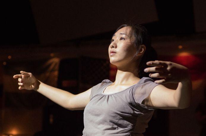 Brazil: Vitória, Brazil :: Vivian Lu (Taiwan) dances at a prayer event on board. More Info