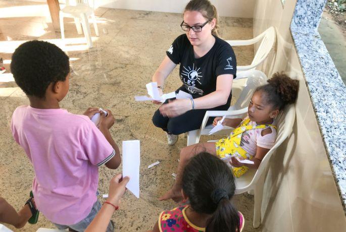 Brazil: Salvador, Brazil :: Margot Pira (France) teaches children to share their faith creatively. More Info