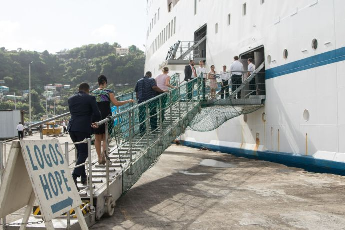Saint Vincent & the Grenadines: Kingstown, Saint Vincent and the Grenadines :: Guests arrive for the official opening of the ships bookfair. More Info