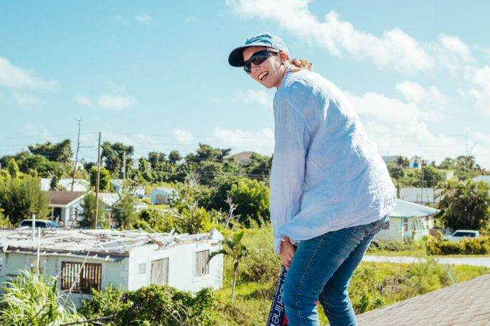 Bahamas: Abaco Islands, The Bahamas :: Sissy Ens (Paraguay) helps repair a roof. More Info