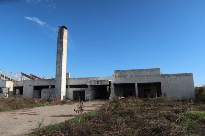 Serbia: Disused factory in Šid, Serbia, a former refugee hide-out. Photo by Tillmann Klein. More Info