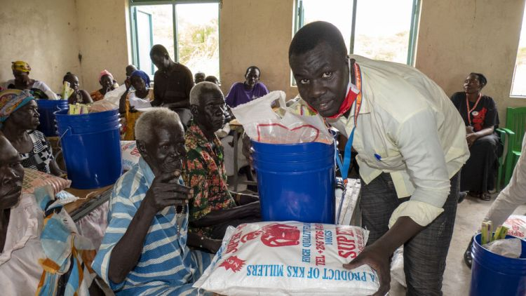 South Sudan: OM relief ministry providing aid to internally displaced persons (IDP's) in South Sudan. Photo by Tobias Schultz. More Info