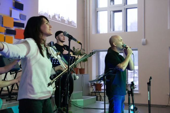 Russia: Musicians leading worship at the first ever TeenStreet conference held in Russia at the beginning of 2021. More Info