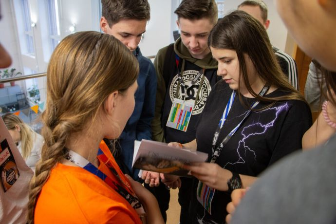 Russia: Young people reading literature at the first ever TeenStreet conference held in Russia at the beginning of 2021. More Info