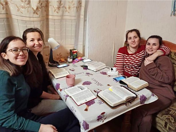 Russia: A young lady shares God's love with the least-reached people who have never experienced it. More Info