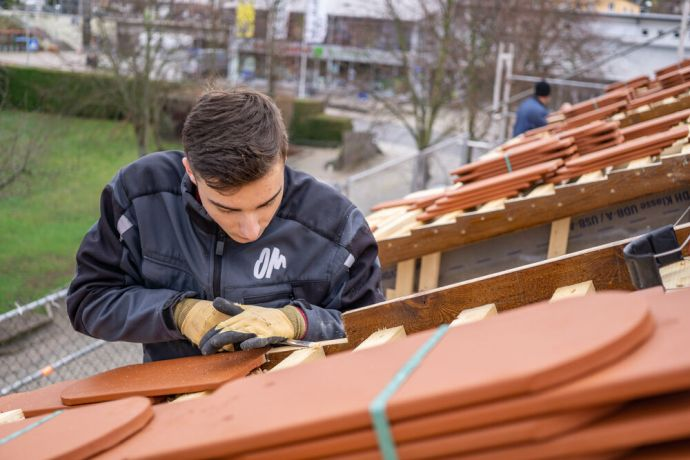 Germany: Carpenter at work during GAP Year. Photo by Achim Schneider. More Info