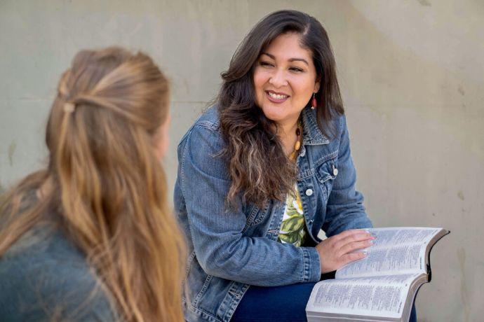 Belgium: Woman sharing the gospel in Europe. Photo by Achim Schneider. More Info