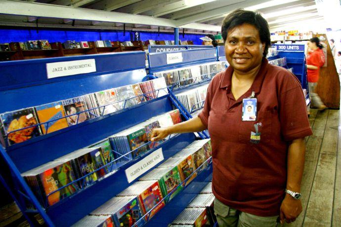 South Korea: Inchon, South Korea :: Lillian Paul (Papua New Guinea) at work in the Doulos book fair More Info