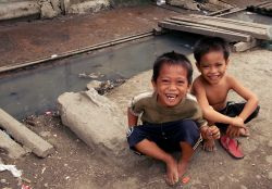 Cebu, Philippines :: Smiles bloom on the faces of children as crewmembers greet them.