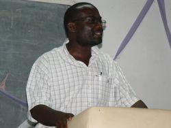 OM Zambia Director teaches a discipleship class.