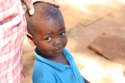 For months he had to be taken to the clinic on a regular basis and received both medicine and ointment, but nothing helped. But when the principal brought Thabo forward to meet the team, it was immediately evident that he no longer had sores on his head.