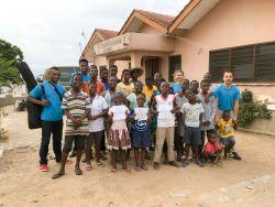 Tema, Ghana :: Logos Hopes team of volunteers visits the Joshkrisdan home for orphans.
