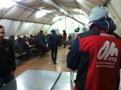 OM staff and volunteers serve refugees in Serbia, making over 3000 cups of tea each day!