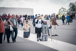 Pilgrims of all ages travel to the Fatima sanctuary in Portugal, where five locations along the walk were identified by OM Portugal and a variety of churches and mission agencies who together work to reach out during the Fatima Outreach in May 2017.
