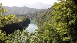 Bosnia-Hercegovina boasts of beautiful green mountainsides and valleys with pristine turquoise rivers.