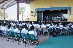 Bridgetown, Barbados :: Schoolchildren are warned of the dangers of human trafficking by a team from Logos Hope.