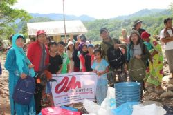 After a Typhoon struck Mindanao, Southern Philippines, the OM team responded to the needs of people. The team needed the help of the military to reach the location and delivery preliminary aid.